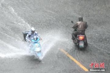 西南地区有强降水华北黄淮等地有强对流天气